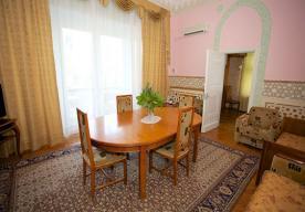 Гостиная в номере 2-комнатный ЛЮКС  в корпусе 1