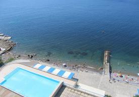 Вид на пляж и бассейн