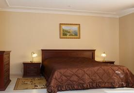 Спальня в номере 3-комнатный ЛЮКС в корпусе 10